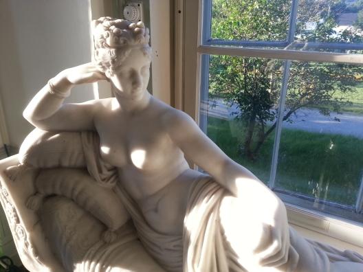 Statue Lady
